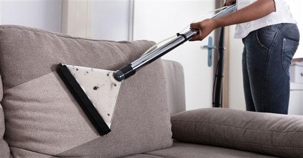 Nên mua bình xịt vệ sinh ghế sofa loại nào tốt nhất cho ghế sofa